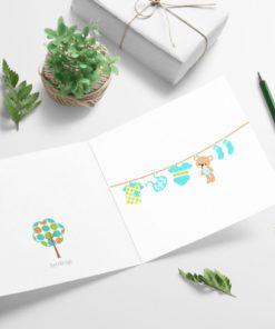 Babyklær på snor - herlig babykort i blått og grønt