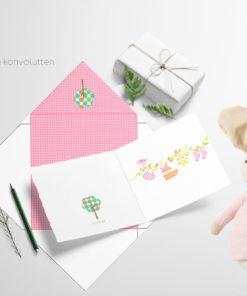 Rosa babyklær på snor - nydelig barnekort 13x13 cm